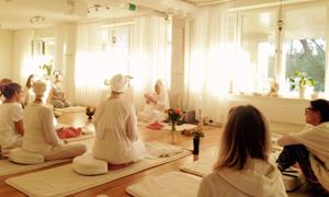 Stockholm Kundaliniyogacenter yogaklass