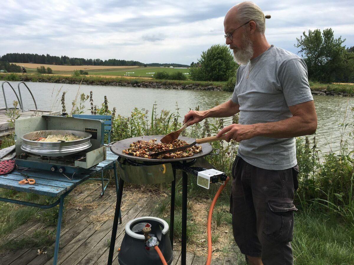 Yogaretreat på Ängsbacken Övre vid Göta kanal i naturlig tystnad